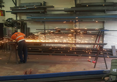 metal cutting - Services